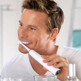 Električna zobna ščetka Sonicare DiamondClean