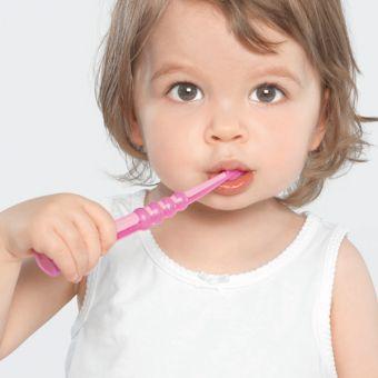 DARILO - zobna ščetka CURAPROX CK 4260